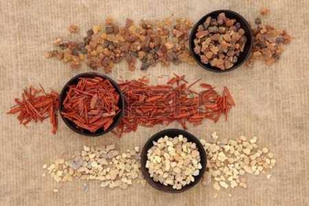 ffrankincense myrrh 450x300 - Cicatrix