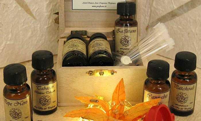 kit profumiere new 700x423 - First aid Aromatherapy kit